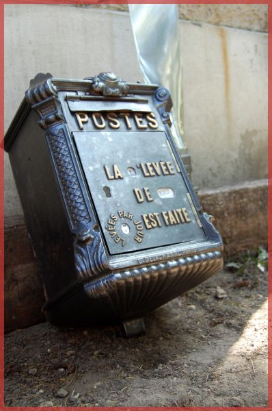 f85f03ac3b2b0b D.A.L.I » Boite aux lettres MOUGEOTTE – Delachanal . Paris 1915