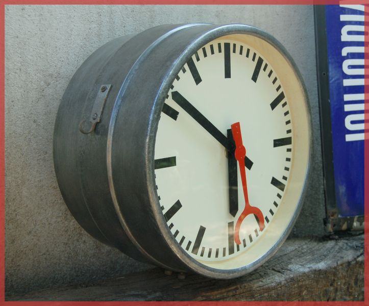 D a l i horloge de gare usine 38cm ca 1950 double face for Horloge gare